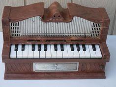 Electric Golden Pipe Organ -works- Keyboard Piano type Organ - salesman sample ?