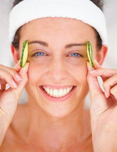 Beauty Tips For Dark Circles: Read further to know 11 tips on how to remove dark circles naturally and reduce the puffiness under eyes. #BeautyTipsForEyebrows #ConcealerTips Covering Dark Circles, Reduce Dark Circles, Dark Circles Under Eyes, Eye Circles, Beauty Care, Beauty Hacks, Beauty Tips, Beauty Products, Diy Beauty