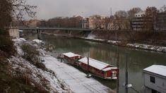 Tevere innevato | Un'immagine inusuale di Roma: non è che la neve sia una cosa comune ... erano 25 anni che non nevicava ed ho avuto la fortuna di esserci e rimanerci per tutto il periodo!  DSC07613
