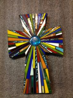 Crosses Glass Fusing Projects, Mosaic Projects, Stained Glass Projects, Stained Glass Patterns, Mirror Mosaic, Mosaic Art, Mosaic Glass, Mosaic Crosses, Wall Crosses