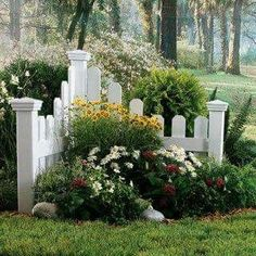 the entrance of driveway... - Gardening Ideas
