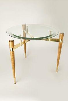 Дизайнерский столик со стеклянной столешницей.  #NiceCatch