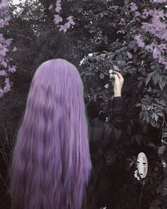 Pastel Paradise Magical long pastel purple hair on Tabata Rodrigues - use our Iris Purple to get thi Short Lilac Hair, Pastel Purple Hair, Chic Short Hair, Short Dyed Hair, Dyed Hair Ombre, Dyed Hair Purple, Dyed Hair Pastel, Dye My Hair, Ombre Hair Color