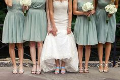 NEW YORK BOTANICAL GARDEN WEDDING /// CAROLINE + PAUL // Photography by Ilene Squires Photography  #wedding #nyc #newyorkbotanicalgarden #photography #ilenesquiresphotography #love #romance #newyorkers #summerwedding #summer #classic #blueshoes #bridesmaids #bride
