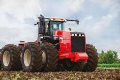 """""""Rostselmash"""" will increase the production of tractors six times Big Tractors, Case Tractors, Vintage Tractors, New Tractor, New Holland, Rubber Tires, Four Wheel Drive, Heavy Equipment, Agriculture"""