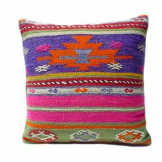 beautiful kilim cushion for a modern bohemian chic look. loving the vibrant colors + pattern!