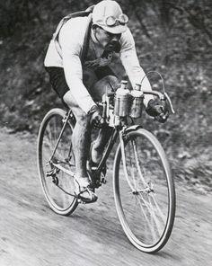 Paris - Roubaix :Le Wallon Gaston Rebry réalisa un magnifique triplé en gagnant en 1931, 1934 et 1935.