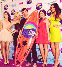 """Pretty Little Liars"" Cast at the Teen Choice Awards 2012"