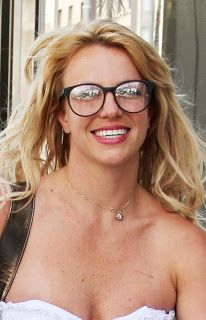 Doggie News * Psí Noviny by Sandy Shepherd: Famous with Glasses 2: Britney Spears