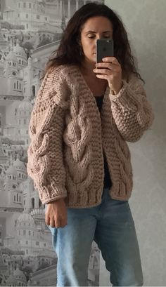 better cardigan with ribbing Thick Sweaters, Cute Sweaters, Sweaters For Women, Sweater Hat, Mohair Sweater, Crochet Poncho, Diy Crochet, Knit Fashion, Sweater Fashion