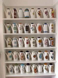 Vintage Meakin coffee pot collection (also good for teatime! Vintage Coffee, Vintage Tea, Vintage China, Vintage Pottery, Vintage Ceramic, Coffee Set, Coffee Cups, American Retro, Calla Lilies