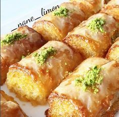 with ・・・ Hazir baklava yufkasindan irmikli baklava😍👌 IRMIKLI BAKLAVA Serbeti icin 2 su bardagi seker 3 su… East Dessert Recipes, Cake Recipes, Iftar, Cake Recipe Using Buttermilk, Turkish Recipes, Sweet Recipes, Food And Drink, Cooking Recipes, Yummy Food