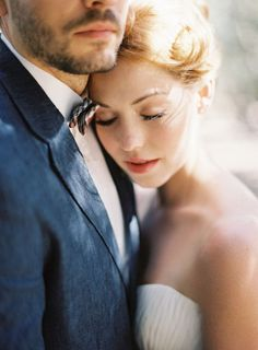 Wedding Photography: Learn about wedding photos, wedding pictures and find wedding photographers. See our wedding photography tips, prices & photographer ideas Wedding Fotos, Wedding Photoshoot, Wedding Shoot, Wedding Dj, Perfect Wedding, Fall Wedding, Wedding Ceremony, Wedding Ideas, Wedding Photography Poses