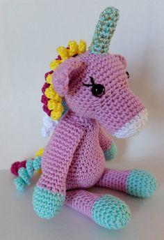 Licorne au crochet Coups, Hello Kitty, Crochet, Character, Whoville Hair, Amigurumi, Unicorn, Crochet Hooks, Crocheting