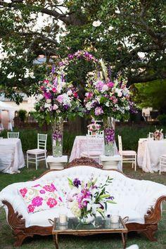 photo: Marni Rothschild Photography; simply chic wedding reception idea;