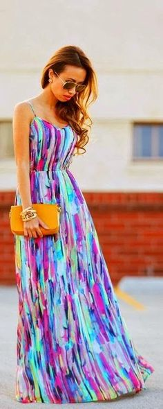 Street style | Spring maxi dress, clutch