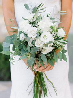 Pretty & organic all white bouquet: http://www.stylemepretty.com/vault/gallery/38301   Photography: Luna De Mare - http://lunademarephotography.com/