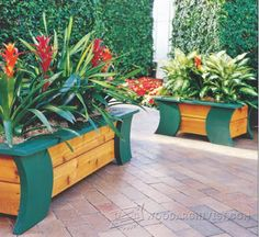 Patio Planter Plans - Outdoor Plans and Projects | WoodArchivist.com