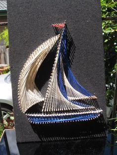 Vintage decor blue & white string art sailboat by OldHatt String Art Tutorials, String Art Patterns, String Crafts, Rope Crafts, Thread Art, Thread Painting, Arte Linear, Nail String, Illusion Art