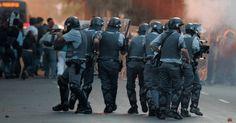 PROF. FÁBIO MADRUGA: A criminalização dos defensores de Direitos Humano...