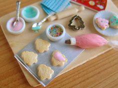 Dollhouse miniature Christmas cookie baking magnet