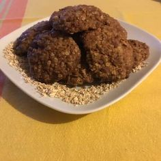 Cookies με κουάκερ Cookies, Chocolate, Desserts, Food, Crack Crackers, Tailgate Desserts, Biscuits, Schokolade, Dessert