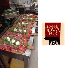 Avete già provato i nostri taglieri misti? Affrettatevi vi aspettiamo! 🍷 #cafferomaeur #taglierimisti #salumi #aperitivo