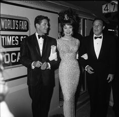 Shirley MacLaine and Gene Kelly (1964)