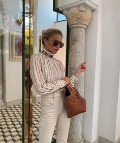 🍦 Sandro, Negin Mirsalehi, Chanel, Street Style, Something Special, How To Look Classy, Straw Bag, Fashion Outfits, Photo And Video