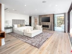 2110 Hercules Dr, Los Angeles, CA 90046 | Zillow Modern Modular Homes, Modern Contemporary Homes, Modern Style Homes, Modern Bungalow, Modern Luxury, Modern Minimalist House, Small Modern Home, Luxury House Plans, Los Angeles Homes