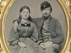 Women of the Civil War In remembrance of the Union and Confederate soldiers who served in the American Civil War, the Liljenquist Family donated their rare collection of over 700 ambrotype and tintype photographs to the Library of Congress. Album Design, American Civil War, American History, Old Photos, Vintage Photos, Antique Photos, Vintage Art, History Magazine, Civil War Dress