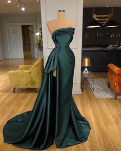 Award Show Dresses, Gala Dresses, Red Carpet Dresses, Evening Dresses, Pretty Outfits, Pretty Dresses, Strapless Dress Formal, Formal Dresses, Dress Out