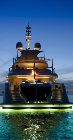 Yachting Club, Yacht Boat, Video Photography, Luxury Travel, Bugatti, Luxury Lifestyle, Mansions, Lady Luxury, Travelling