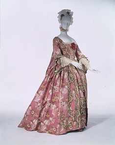 Dress (Robe à la Française), French, 1750-75, silk. Metropolitan Museum of Art.