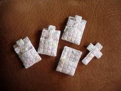 1000 images about canvas plasticas on pinterest plastic for Cross in my pocket craft