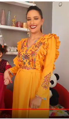 Styles, Fashion Dresses, Sari, Formal Dresses, House Dress, Gowns, Creative Photography, Womens Fashion, Saree