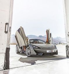 570S: The Affordable McLaren (Check out the AppStore)