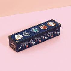 ビジュー缶 | お菓子のミカタ