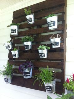Hanging Pallet Garden Life in Loftinville