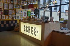 Shopping-Köln-SCHEE-Artwork-Wohnaccessoires3