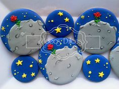 Galletas del Asteroide B 612 Little Prince Party, The Little Prince, Prince Birthday Party, Birthday Parties, Birthday Ideas, Mother Daughter Book Club, Prince Cake, Fondant, The Petit Prince