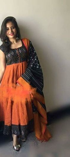 Kalamkari Designs, Kurta Designs, Blouse Designs, Churidar Neck Designs, Anarkali Kurti, Cotton Anarkali, Punjabi Dress, Saree Dress, Indian Attire