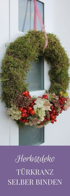 Tying an autumn door wreath yourself is not difficult at all. For the autumn wreath made of natural materials, almost everything can be found on an autumn walk. After tying the moss wreath, decorate the autumn wreath. The autumn door wreath is…Read Advent Wreath, Diy Wreath, Door Wreaths, Burlap Wreath, Wreath Ideas, Thanksgiving Wreaths, Autumn Wreaths, Thanksgiving Decorations, Christmas Door Decorations