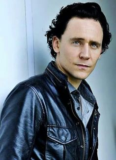 Sexy Tom with black hair