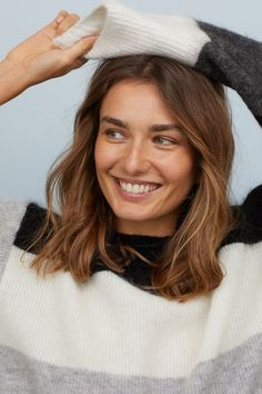 135 short chocolate brown hair color ideas to try right now - page 2 Medium Hair Styles, Short Hair Styles, Medium Layered Hair, Chocolate Brown Hair, Haircut For Thick Hair, Thick Short Hair, Shoulder Length Hair, Colar Bone Length Hair, Chest Length Hair