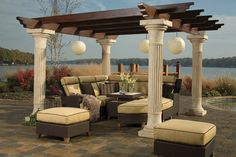 Click here to view the complete Ernest Hemingway Collection of outdoor furniture.