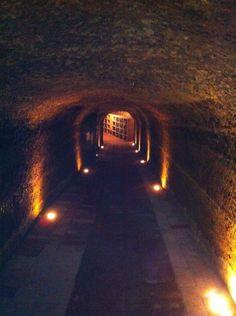 Castello della Sala - Umbria - Accesso alle Cantine