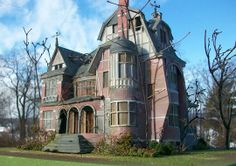 Model of Miss Peregrine's Home for Peculiar Children