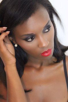 Maquillaje Glamuroso para pieles oscuras
