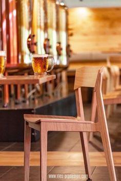 Stapelbare Designstühle aus Holz für Home und Business. Vielseitige Verwendung als Esstisch Stühle und Bankettstühle, Konferenzstuhl oder Sessel Wohnzimmer. Erstinformation und Beratung unter +43 699 15990977. Stühle aus europäischer Produktion. #sitzmoebel, #konferenzstuhldesign, #RiesProDesign Designer, Dining Chairs, Form Design, Furniture, Home Decor, Fine Dining, Dining Table Chairs, Armchair, Home
